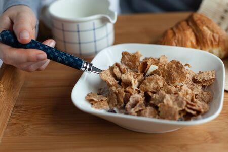 Corn flakes for breakfast, gluten free meal. Foto de archivo - 137893790