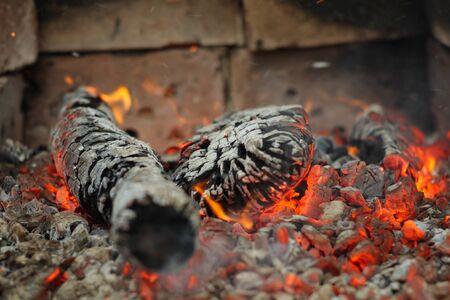 glut: Glut und Feuer �ber Feuerbrand in Herd shallow DOF