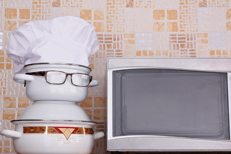 jesting: Unusual jesting chef about microwave oven