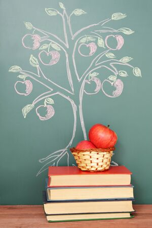 knowledge tree: Tree of knowledge education concept