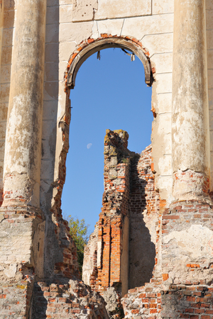 venerable: Ruins of the Gilzens and Shadurskis palace in the urban-type settlement of Osveya, Verkhnedvinsk district, Belarus.
