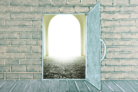 thesaurus: Illustration on a chalkboard of the open door in class