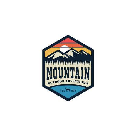 mountain logo vector design emblem Stock Illustratie
