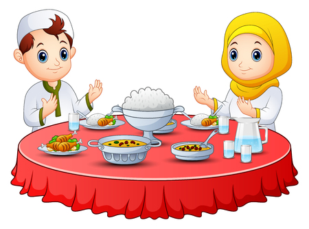 이슬람교도 아이는 휴식 단식 전에 함께기도한다. 스톡 콘텐츠 - 79409575