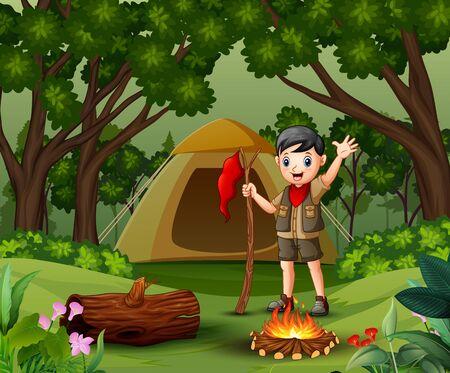 Garçon scout campant dans la forêt