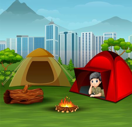 Scout boy in red tent and see the view around him Ilustração