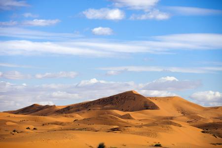 duna: las dunas de Erg Chebbi, en Merzouga, Marruecos Foto de archivo