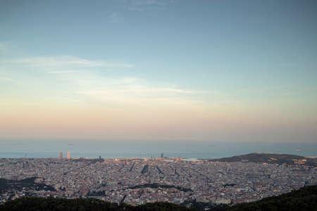 barcelona skyline at sunrise 스톡 콘텐츠