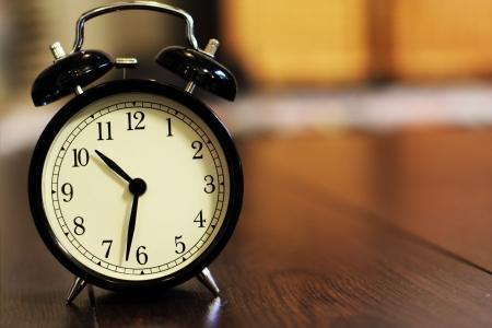 despertarse: reloj despertador