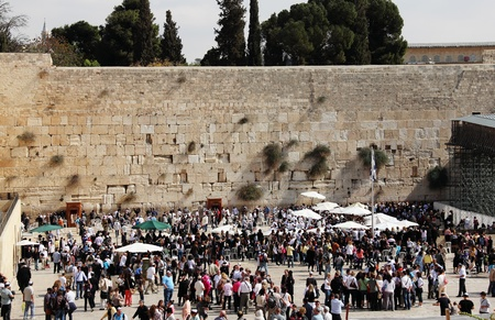 Jerusalem, Israel – November 3, 2011: Tourists and Israelis near the Western Wall in Old City of Jerusalem Stock Photo - 12385905