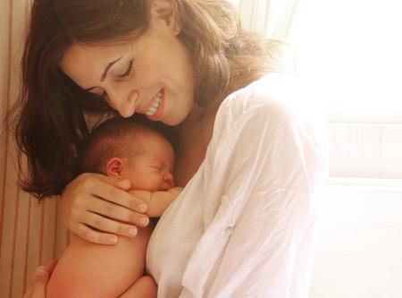 nato: madre con il suo bambino