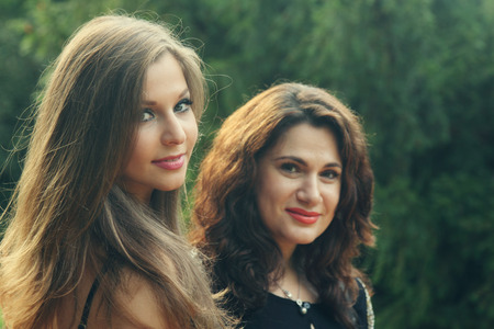 mother with teenage daughter Reklamní fotografie