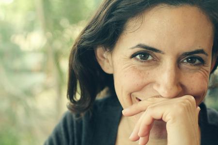 Portrait d'une femme de 35 ans belle