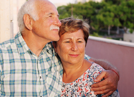 damas antiguas: portait de la feliz pareja de ancianos Foto de archivo