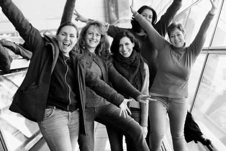 함께 여행 아름다운 다섯 친구의 초상화