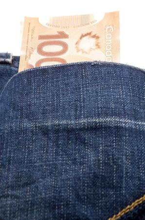 다시 진 주머니 백 캐나다 달러 지폐
