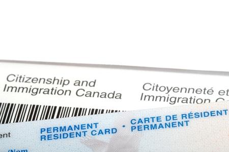 移民カナダの手紙上の永住権カードを発行