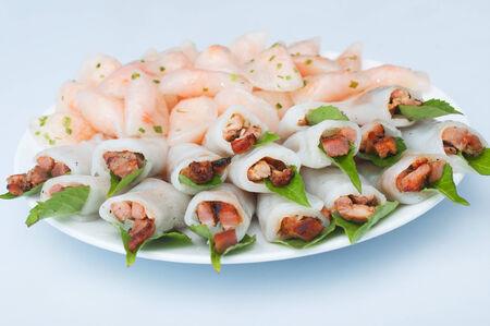 loc: Shrimp and grilled pork in glutinous tapioca flour dumpling, banh bot loc, Vietnamese cuisine