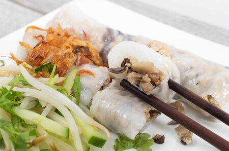 cuon: Banh cuon, Vietnamese steamed rice noodle rolls