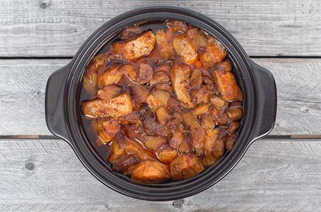 promptly: Vietnamese caramelized and simmered salmon in a clay pot
