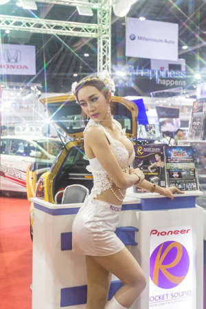 modificar: BKK. THAILAND-JUNE 25 : Unidentified models in Bangkok International Auto Salon 2016, 22-26 June 2016 at Bangkok, Thailand. Event of decoration & modify car of Thailand and Japan. Editorial