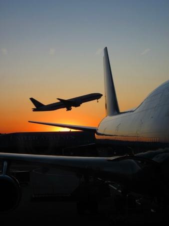United Airlines airplane taking off Narita International airport Editöryel