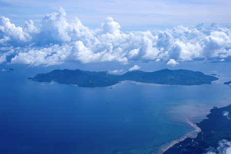 Beautiful aerial view of the islands from the plane 스톡 콘텐츠