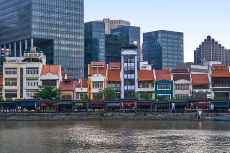 Boat quay historical district in Singapore 스톡 콘텐츠
