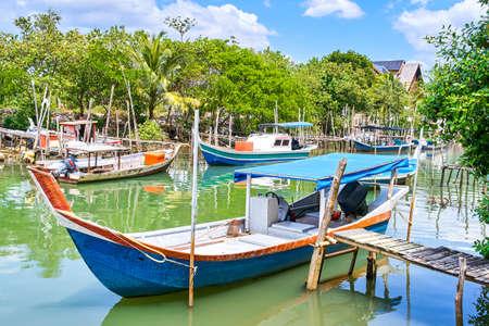 Village de pêcheurs sur l'île de Langkawi, Malaisie