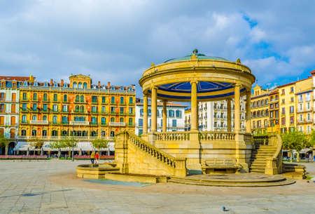 Plaza del castillo in the spanish city Pamplona Stock Photo - 100940699