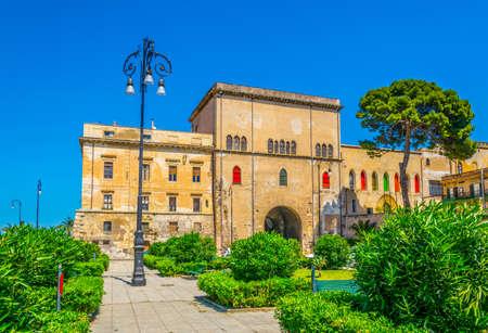 Forcella de la seta and porta dei greci in Palermo, Sicily, Italy 스톡 콘텐츠 - 102404766