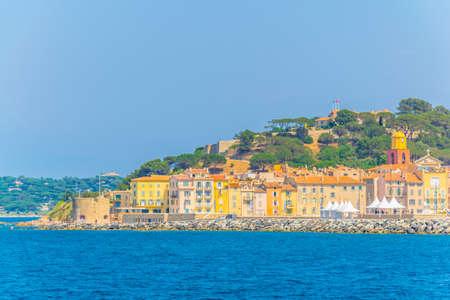 Seaside and citadel of Saint Tropez, France 版權商用圖片