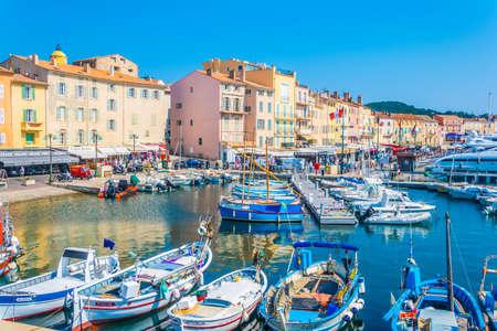 Saint Tropez, Francja, 15 czerwca 2017: Marina w Saint Tropez, Francja