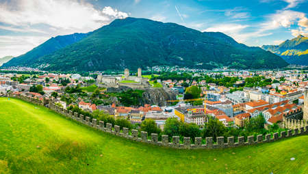 Castelgrande castle in Bellinzona, Switzerland 版權商用圖片