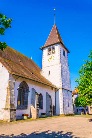 View of a protestant church in Lutry, Switzerland 版權商用圖片