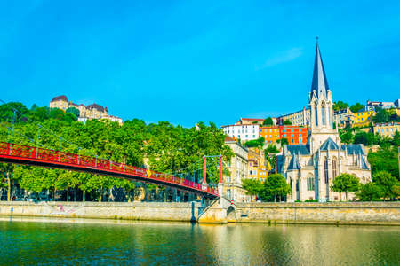 Church of Saint George next to Saone river in Lyon, France 免版税图像 - 117276804