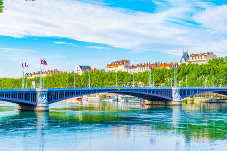 Riverside of Rhone river in Lyon, France 免版税图像