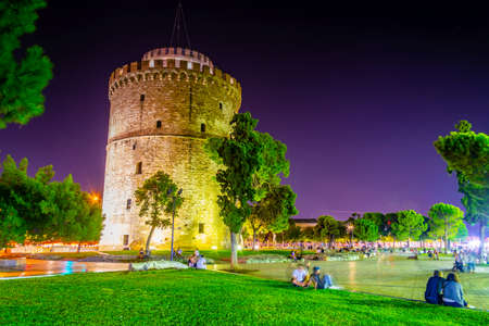 Night view of the white tower in Thessaloniki, Greece Stock fotó