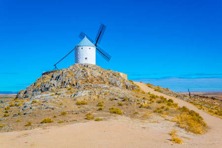 Traditional white windmills at Consuegra in Spain Standard-Bild