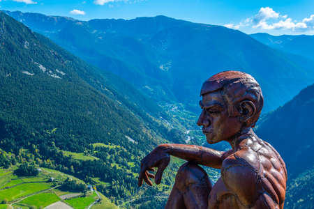 Statue of a boy at Roc del Quer viewpoint at Andorra 免版税图像