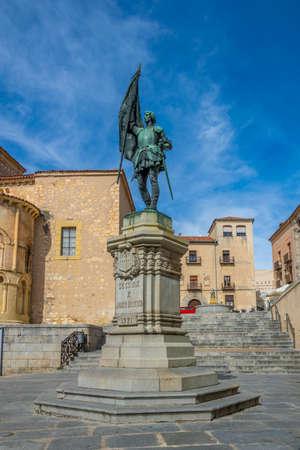 Statue of Juan Bravo at Segovia, Spain 免版税图像