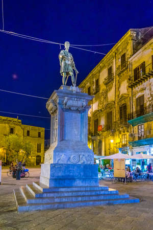 PALERMO, ITALY, APRIL 22, 2017: Night view of statue of Carlo V in Palermo, Sicily, Italy Sajtókép