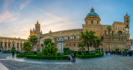View of the cathedral of Palermo, Sicily, Italy 報道画像