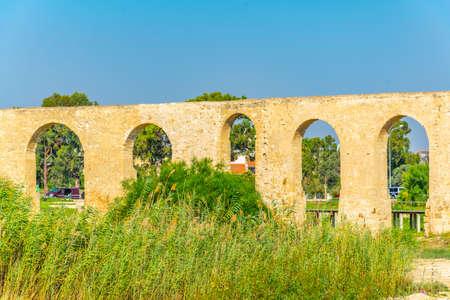Kamares aqueduct in Larnaca, Cyprus Banque d'images
