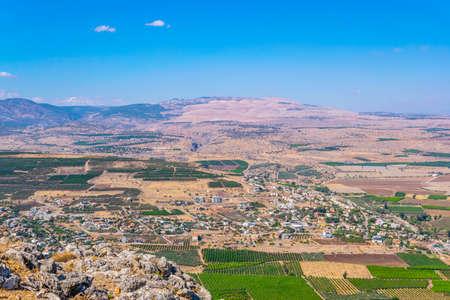 Aerial view of Migdal village from Mount Arbel in Israel Standard-Bild