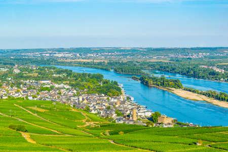 Aerial view of Ruedesheim am Rhein in Germany Foto de archivo - 128287134