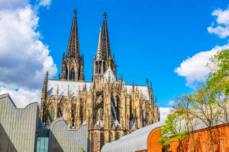 Philharmony and cathedral in Cologne, Germany Imagens