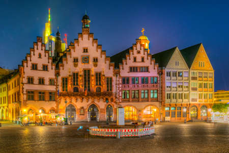 Night view of Romerberg square in Frankfurt, Germany. Imagens
