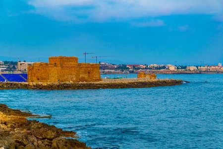 Sunset view of Paphos castle on Cyprus Редакционное