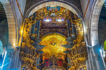 BRAGA, PORTUGAL, MAY 23, 2019: Interior of the old cathedral in Braga, Portugal Stockfoto